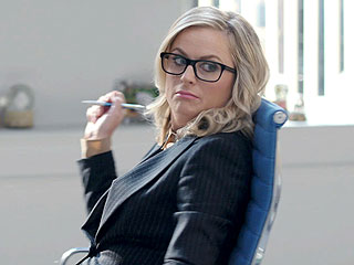 First Look: Amy Poehler Makes Pants Hilarious In Her New Ads (Plus: Outtakes!)