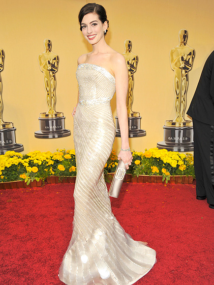 Anne Hathaway Best Oscars gown