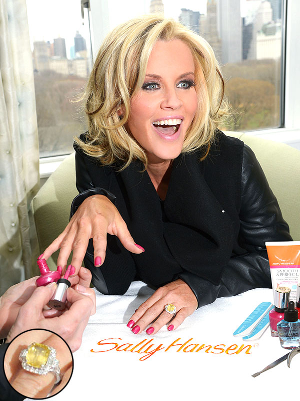 PHOTO: Jenny McCarthy Engagement Ring, Jenny McCarthy, Donnie Wahlberg ...