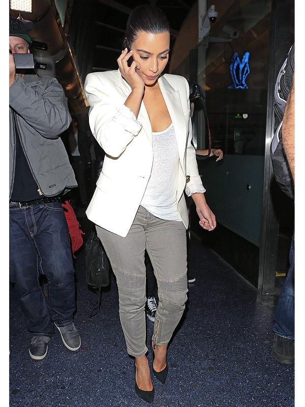 Kim Kardashian airport