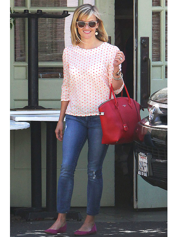Reese Witherspoon printed shirt