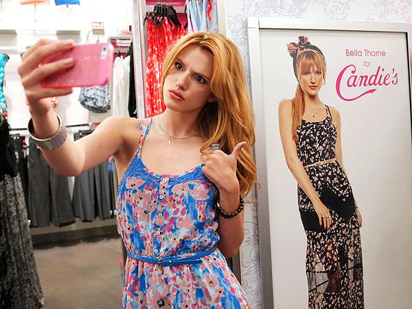 Bella Thorne Candie's