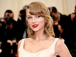 Taylor Swift's Met Gala Gown Cat Attack: 'It Was Like a Crocodile Attacking an Antelope'