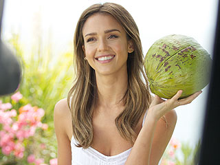 Jessica Alba Eats Junk, Skips Workouts: 'I'd Rather Be Balanced than Perfect' | Jessica Alba