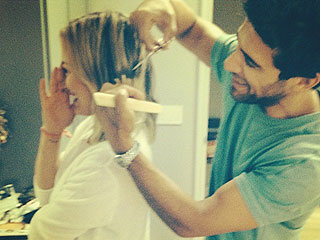 Hilary Duff Chops Her Hair – See Photos of Her New Cut!