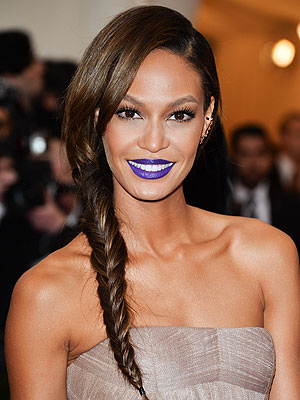 Joan Smalls purple lip