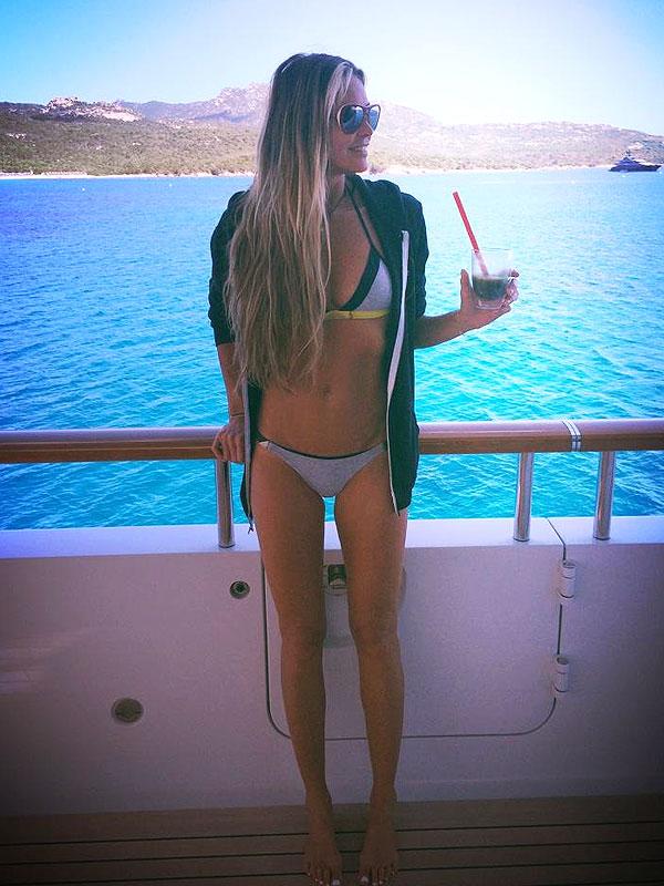 Elle MacPherson bikini body