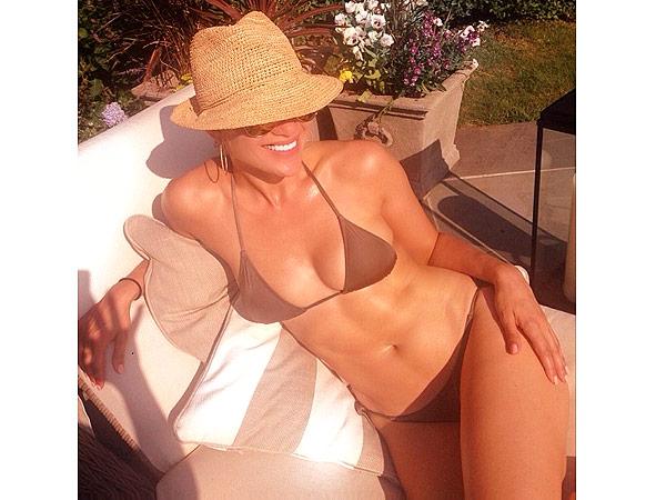 Jennifer Lopez Bikini Body