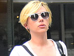 Very Pregnant Scarlett Johansson Debuts Very Short, Very Blonde New Haircut (PHOTOS)