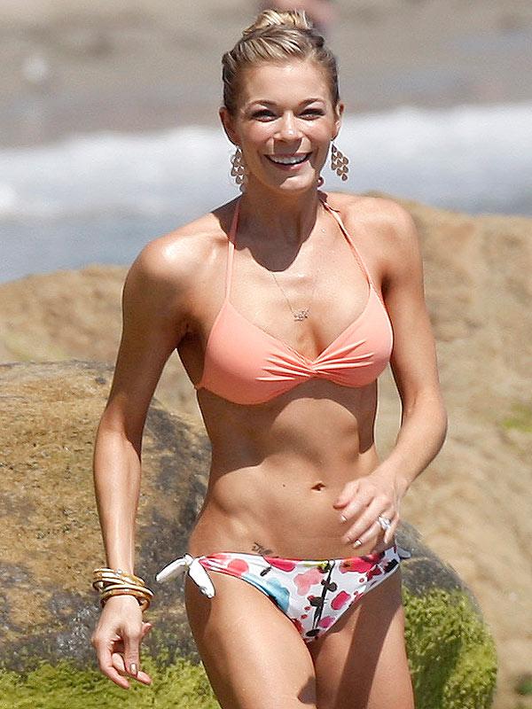 Leann Rimes Bikini Line