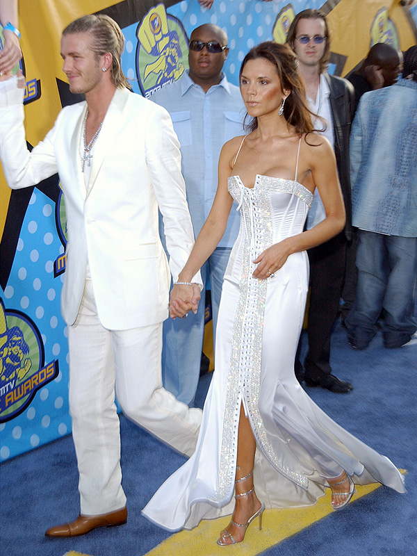 Victoria Beckham donating clothes to charity, 2003 MTV Movie Awards