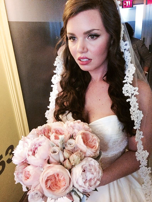 Im Doing My Own Wedding Makeup : We Tried It: Doing Our Own Wedding Makeup American ...