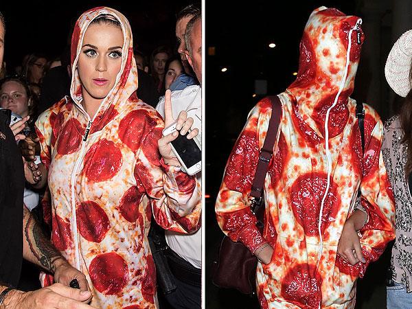 Katy Perry Cara Delevigngne pizza