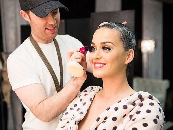 Katy Perry tour makeup