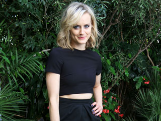 What to Wear This Labor Day Weekend (Thanks to Taylor Schilling and More)