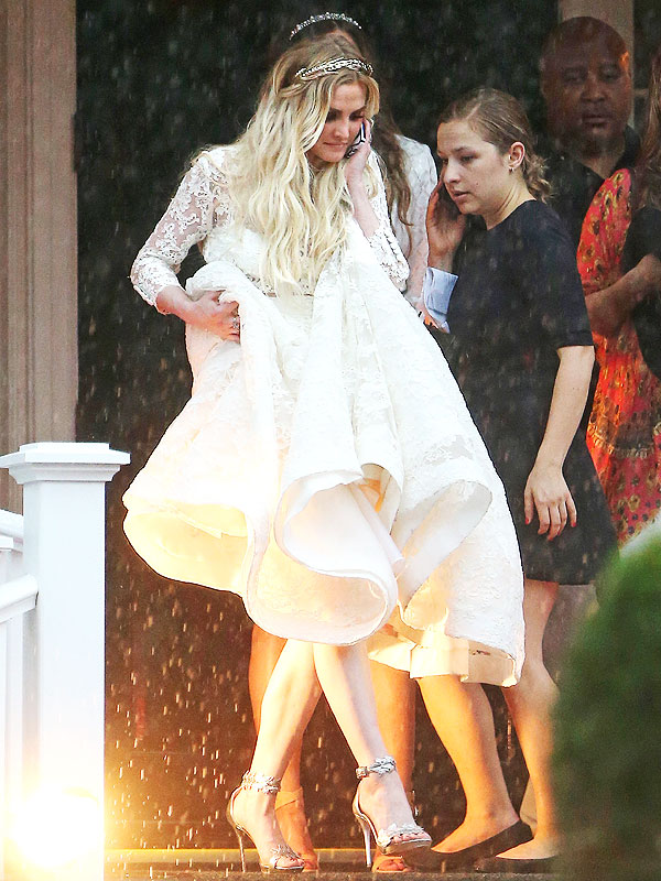 Ashlee Simpson wedding photos