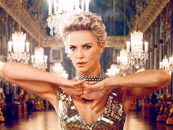 Charlize Theron making of the dress