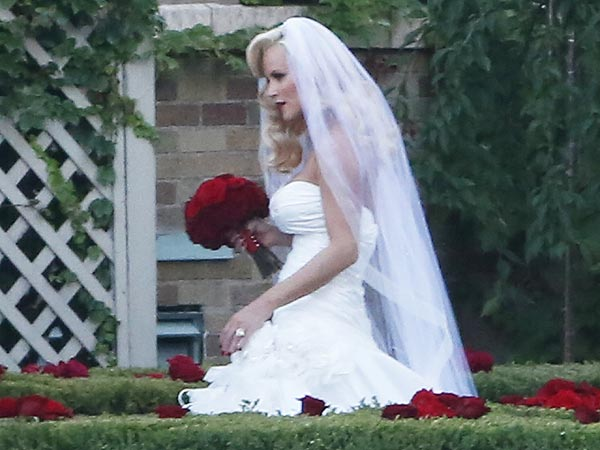 Jenny McCarthy wedding dress photo