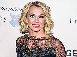 Britney Spears: Who Needs a Man When You Can Read Books In Your Lingerie?