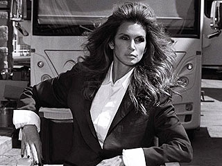 Cindy Crawford on the '90s: 'People Thought a Bowl of Pasta Was Low-Calorie'