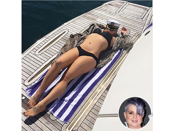 Kelly Osbourne bikini photo