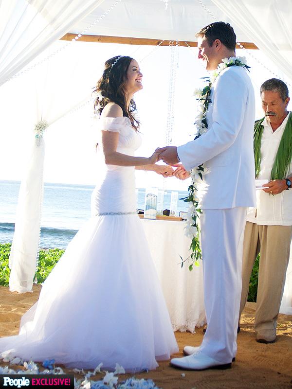 Exclusive See Danica Mckellars Luau Themed Wedding Cake People