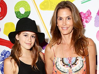 Cindy Crawford's Daughter Kaia Gerber Doesn't 'See Resemblance' to Her Mom