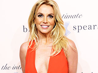 Britney Spears Flaunts Amazing Abs in a Bikini, Says She's Her Own Trainer These Days