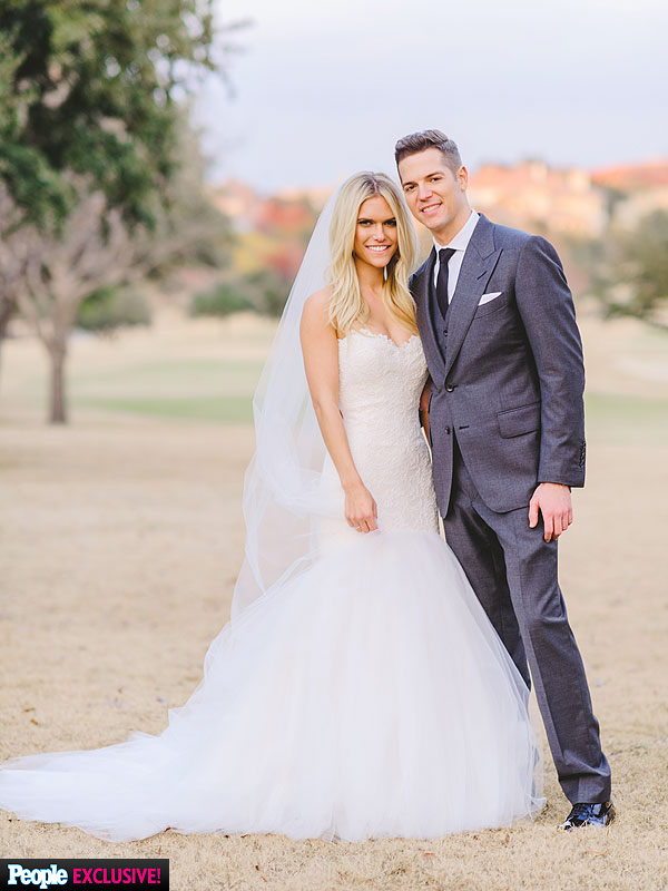 Lauren Scruggs wedding dress