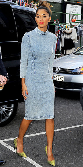 ACID-WASH DENIM DRESS photo | Nicole Scherzinger
