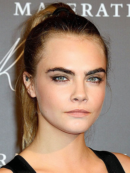 BOLD (GROOMED) BROWS photo | Cara Delevingne