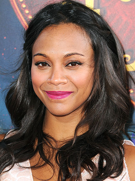 A PURPLY PINK LIP photo | Zoe Saldana