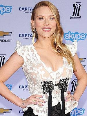 Scarlett Johansson Pregnant Baby Bump Captain America Premiere