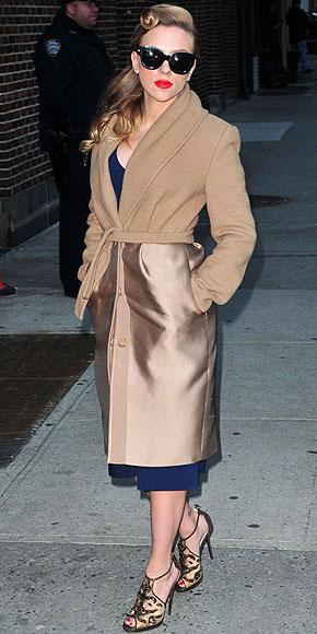 MIXED-TEXTURE COATS photo | Scarlett Johansson
