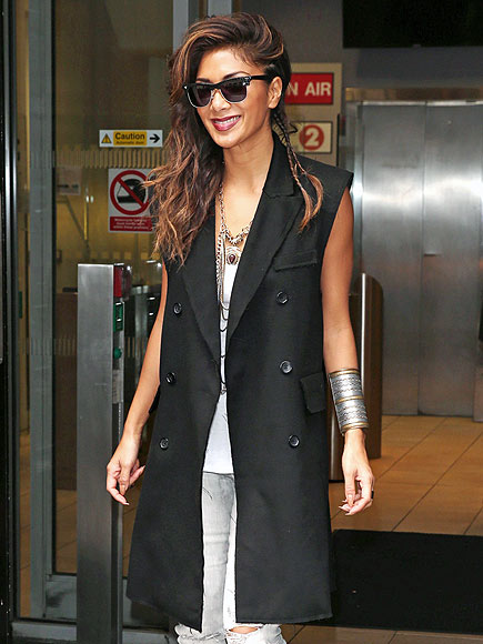 SLEEVELESS TRENCHES photo | Nicole Scherzinger
