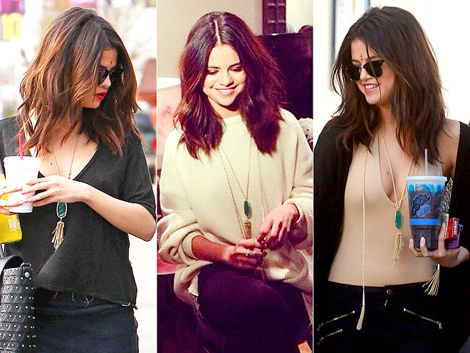 KENDRA SCOTT NECKLACE  photo | Selena Gomez