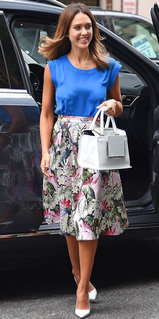 58c22a0a27 twIN STYLE: Outfit Inspiration: Jessica Alba's Ladylike Style
