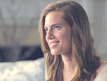 Photo of the cute Allison Williams from New Canaan, Connecticut, USA without makeup