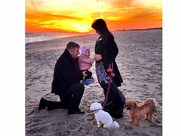 Alec Baldwin Hilaria Baldwin expecting second child together