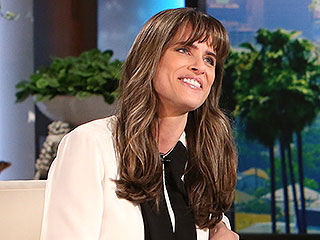 Why Is Amanda Peet Wearing Cabbage Leaves on Her Breasts? | Amanda Peet, Ellen DeGeneres