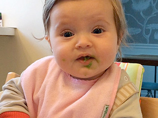 VIDEO: Eva Amurri Martino's Daughter Tries Peas – and Isn't a Fan