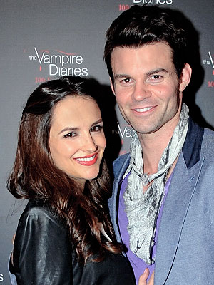 Daniel Gillies Rachael Leigh Cook Welcomes Son Theodore