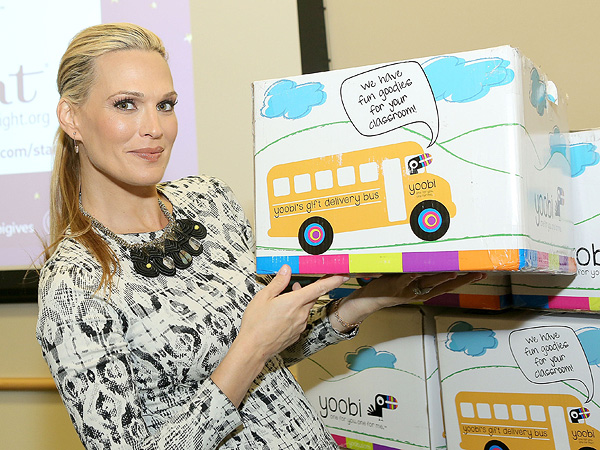 Molly Sims Starlight Foundation Los Angeles Childrens Hospital