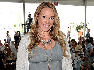Haylie Duff: I'm 'Fighting the Good Fight' Against Maternity Clothes | Haylie Duff