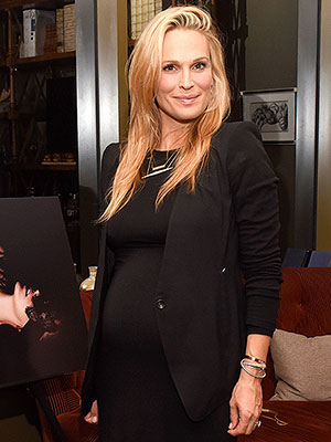 Molly Sims son potty training