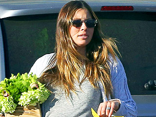 Pregnant Jessica Biel Heads to a Roller Rink for a Birthday Party (PHOTO)