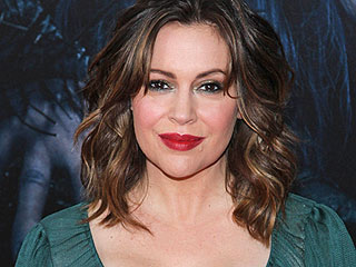 Alyssa Milano 'Not Okay' After Breast Milk Is Confiscated at Airport