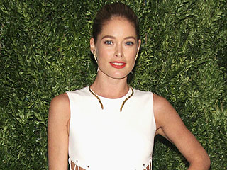 Doutzen Kroes on Her Pumping Photo: 'I'm Promoting Breastfeeding'