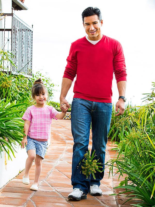 Mario Lopez family Mini Magazine