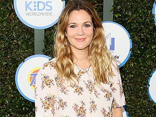 Drew Barrymore Does Mother-Daughter Yoga with Her Frozen Fan – Olive!